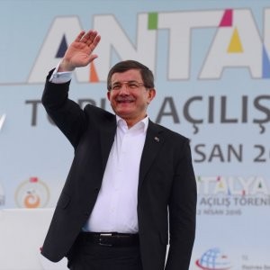 """Davutoğlu: """"Varsın tökezlememizi beklesinler.."""""""