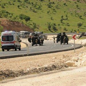 Mardin'de patlama: 2'si ağır 6 polis yaralı