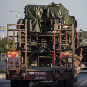 Suriye sınırına askeri sevkiyat yapılıyor !