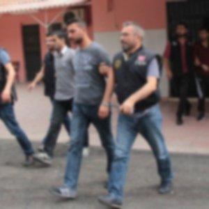 Yol kesen PKK'lılar polise denk geldi