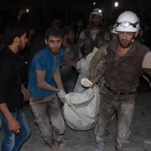 Rus savaş uçağı Halep'te hastane vurdu !