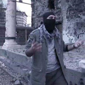 Sur'da klip çeken polisin başı yandı