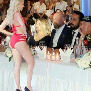 Finli güzeller yarışma için Türkiye'de