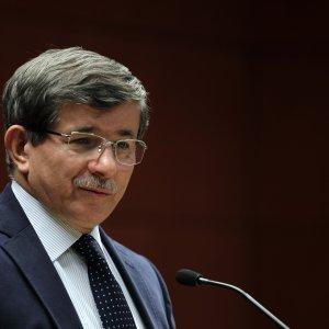 AK Parti'de o yetki Davutoğlu'nun elinden alındı