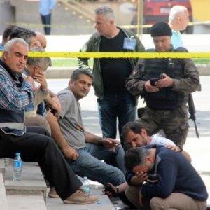 Acı haberi öğrenen polisler yıkıldı !