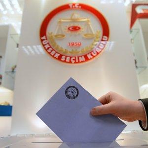 Son seçim anketinden Başkanlık sistemi çıktı