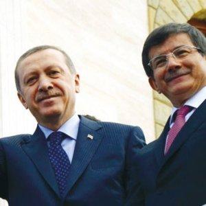 Fatih Altaylı: ''Davutoğlu, Erdoğan'a istifasını sundu''
