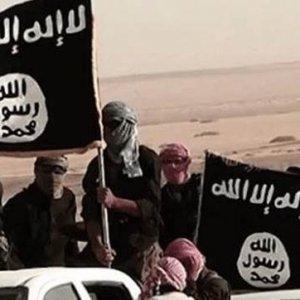 IŞİD militanını canlı canlı yaktılar