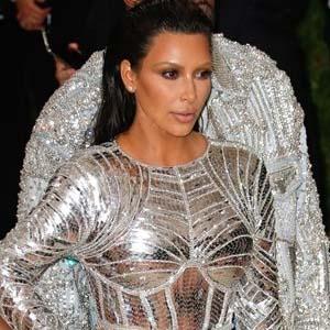 Kim Kardashian: Arkadaşıma cinsel organımı gösterdim