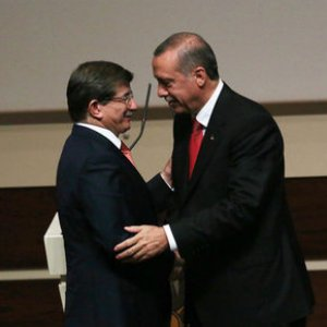 Davutoğlu bırakıyor; işte yeni Genel Başkan adayları