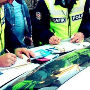 Ceza kesilen sürücüler çareyi acil serviste arıyor
