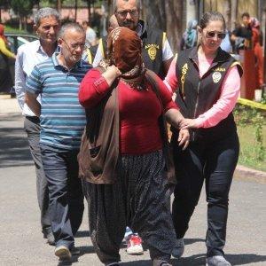 Eşine fuhuş yaptıran koca tutuklandı