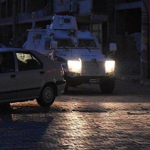 Emniyet Müdürlüğü'ne bombalı saldırı