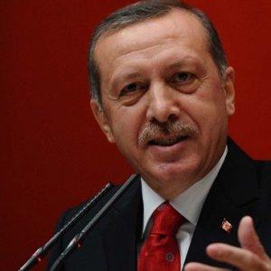 AK Parti ''partili cumhurbaşkanı'' için düğmeye bastı