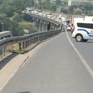 İstanbul'da şüpheli paket yol kapattırdı