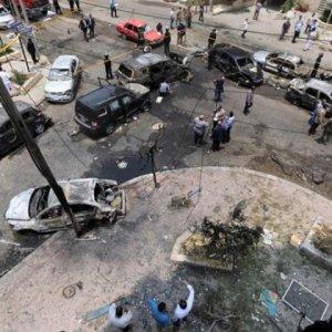 Mısır'da askeri araçlara bombalı saldırı !