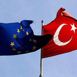 AB geri adım attı ! Türkiye'ye flaş yanıt