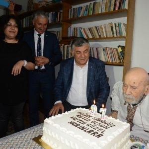 Beyaz Martı Edebiyat Onur Ödülü Vedat Türkali'ye verildi