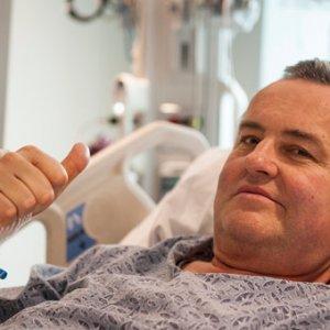İlk kez kanser hastasına penis nakli yapıldı