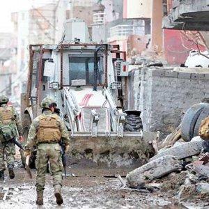 PKK'ya bilgi sızdıran 4 hain yakalandı