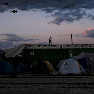 Mülteci kampında genelev açtılar
