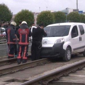 Tramvay hattında çalıntı araç alarmı