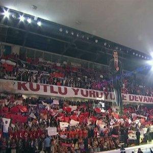 AK Parti kongresinde ilginç kareografi