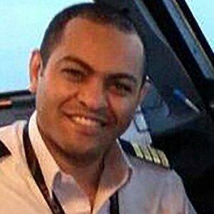 Mısır uçağının pilotu acil iniş yapmak istedi iddiası !