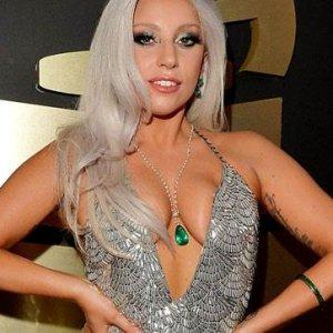Lady Gaga yürek hoplattı