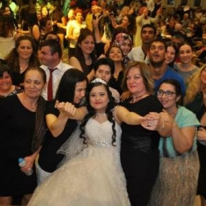 Damatsız düğün yaptılar