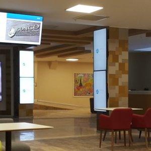 Hastaneler dijital ekranlar ile daha sağlıklı iletişim kuruyor