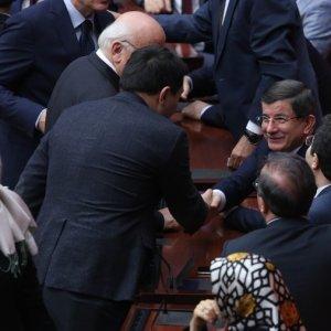 Davutoğlu Genel Kurul'da !