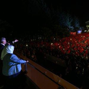 Başbakan Yıldırım İzmirlilere bomba gibi müjde !