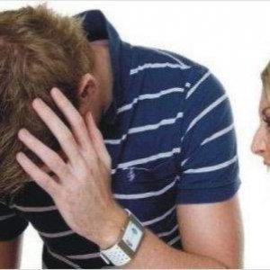 ''Karım beni dövüp, maç izletmiyor''