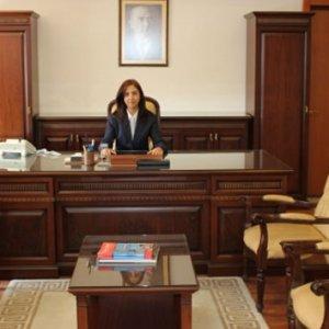 İşte Cumhuriyet tarihinin 4. kadın valisi !
