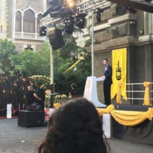 İstanbul Erkek Lisesi'nde protesto