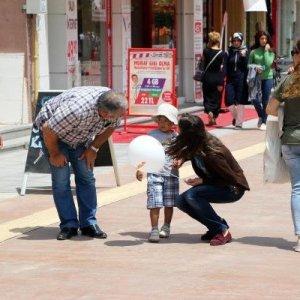 4 yaşındaki çocuk alışverişte kayboldu !