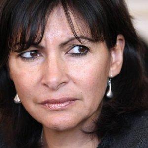 Paris Belediye Başkanı'ndan Vezneciler mesajı