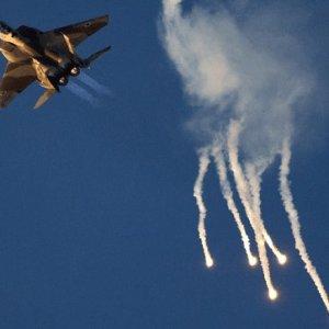 İsrail Suriye Ordusu'nu vurdu !