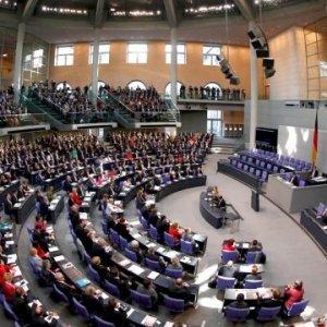 Almanya'dan Türklere 'soykırım' tehdidi !