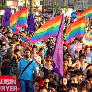 LGBT yürüyüşüne tehdit gibi açıklama !