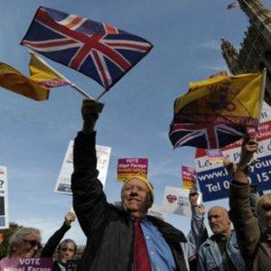 ''İngiltere çıkarsa AB dağılabilir''