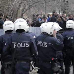 Onbinlerce polise 'şark' şoku: Süre uzatıldı