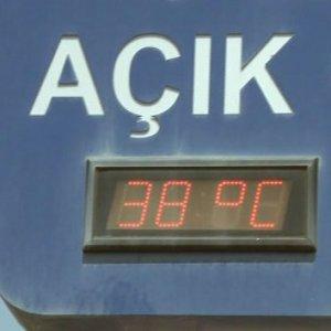 İstanbul 38 dereceyi gördü