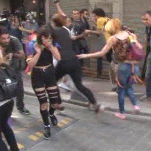 Polis LGBTİ grubuna müdahale etti