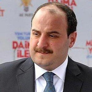 Mustafa Varank'a büyükelçi ünvanı verildi
