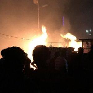 Silah deposuna roket atıldı: 28 ölü