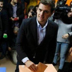 İspanya'da erken seçimin galibi Halk Partisi