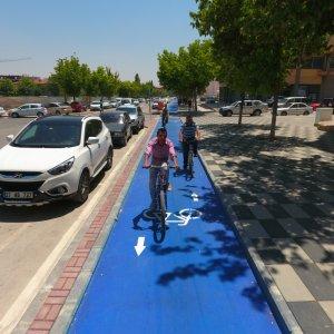 Büyükşehir, kent merkezine 54 kilometre bisiklet yolu yapıyor