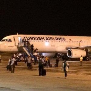 Yolcu uçağı Tekirdağ'a zorunlu iniş yaptı !